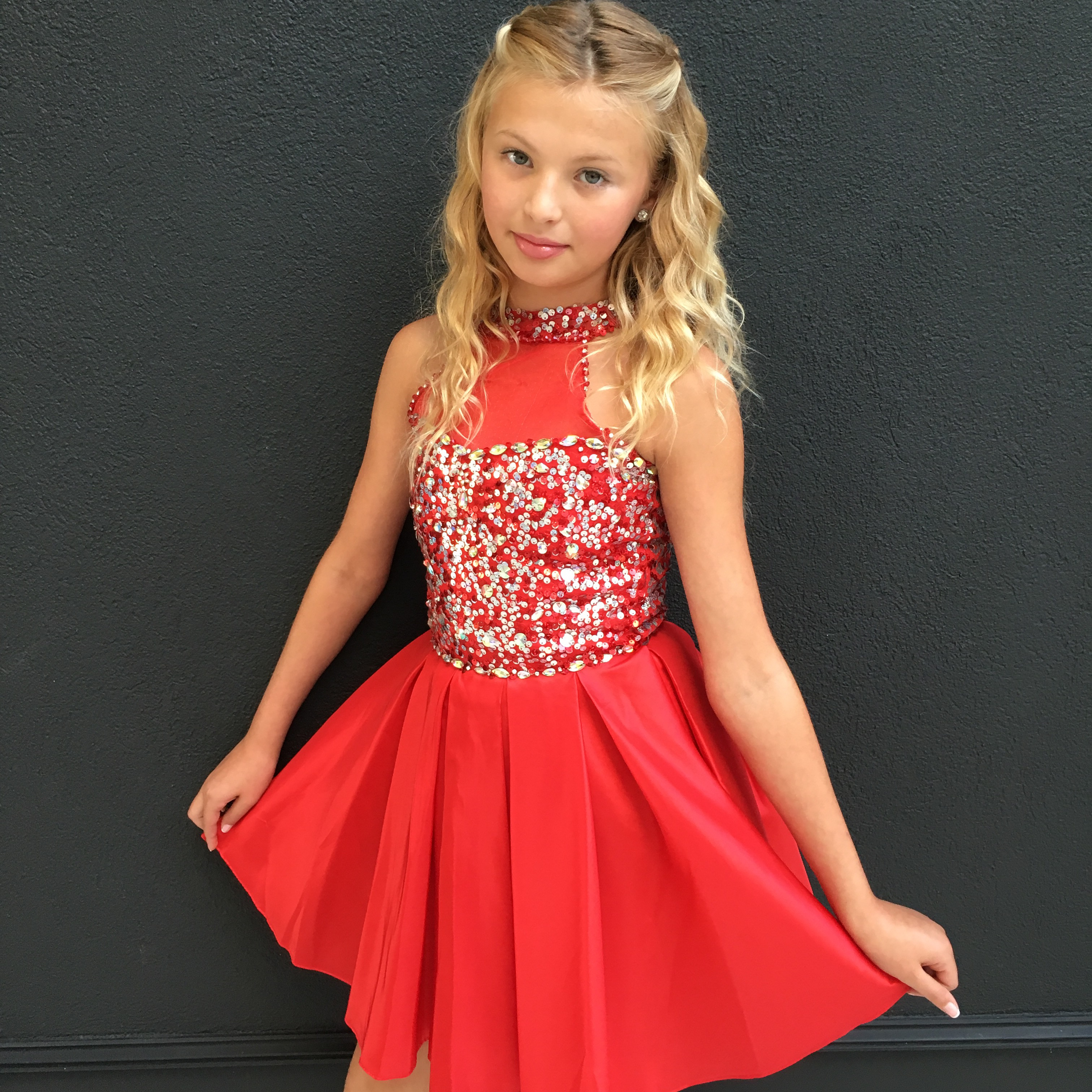 Custom short red crowning dress